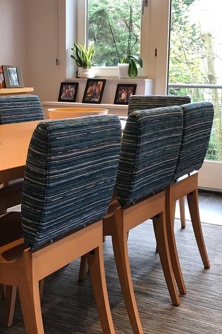 Garnissage chaises salle à manger.