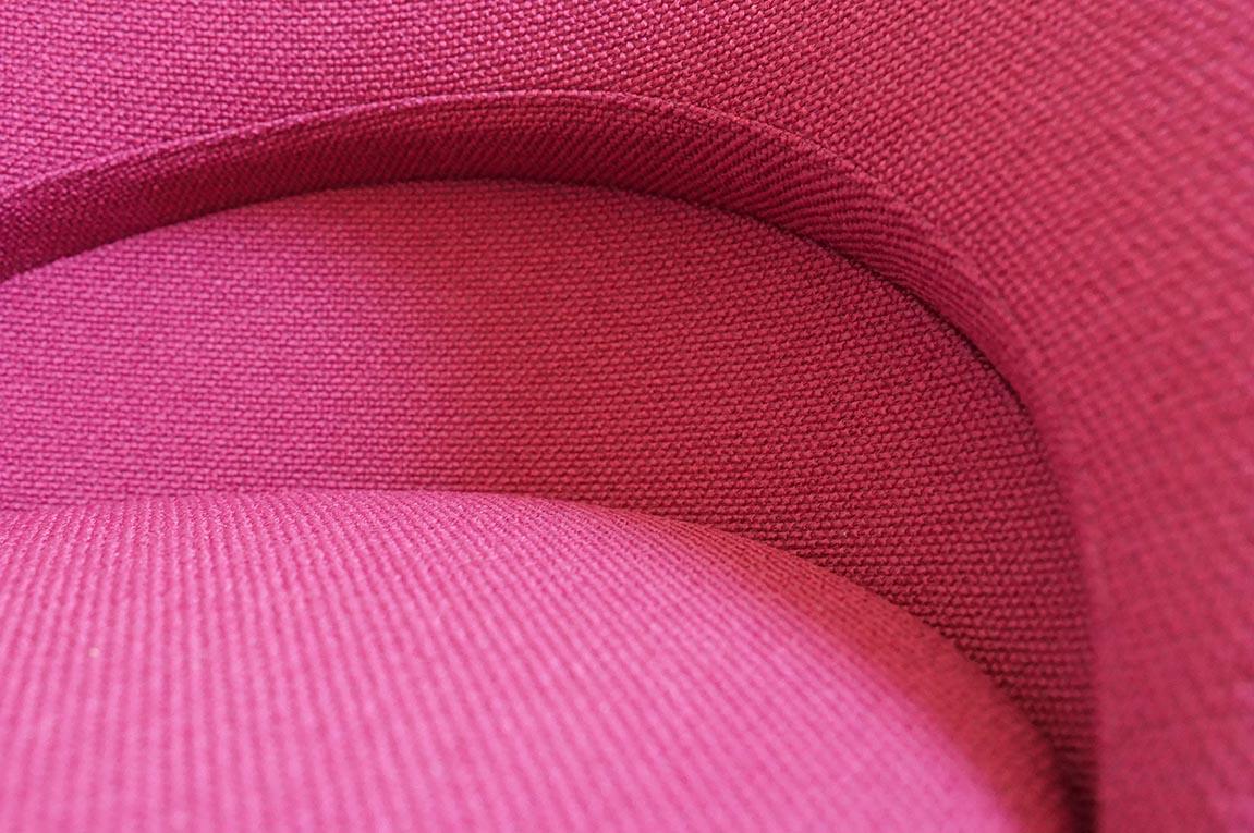 """Garnissage à l'identique de """"Cone Chairs"""" de Verner Panton, détail."""